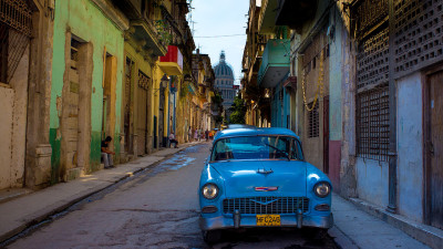 Old_American_car_in_Havanna